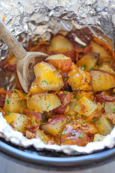 How to make cheesy bacon ranch potatoes in a crock pot