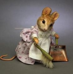 R. JOHN WRIGHT ~ Beatrix Potter Hunca Munca Mouse, felted wool
