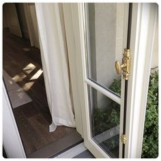 Cremone bolt for French doors Cost Of French Doors, Internal French Doors, French Doors Patio, Interior Glazed Doors, Cheap Interior Doors, Interior Design Institute, Home Interior Design, Modern Interior, Cremone Bolt