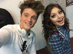 Karol y Lionel Lionel Ferro, New Disney Channel Shows, Spanish Tv Shows, Bebe Rexha, Wattpad, Dove Cameron, Best Tv Shows, Couple Goals, Bff