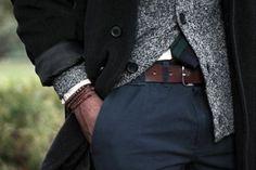 No sé vuestros chicos o maridos, pero el mío pasa bastante de la moda y la ropa -en general todo mi entorno, pero eso daría para otro post-desahogo XD- y únicamente va de compras cuando ya no le queda más remedio porque sus jerséis acumulan bolitas, sus vaqueros han dado de sí o directamente no […]