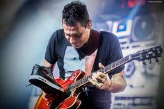 """- Ricardo Mollo y mi """"Zappa"""" PH: Mica Villalobos - Guitars, Ph, Musicals, Sumo, Music Instruments, Rock, Quotes, Frases, Electric Guitars"""