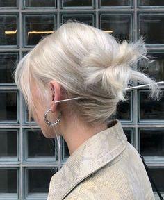 Hair Inspo, Hair Inspiration, Cheveux Beiges, Alena Shishkova, Chopstick Hair, Platinum Hair, Brown Blonde Hair, Blonde Hair Goals, Dye My Hair