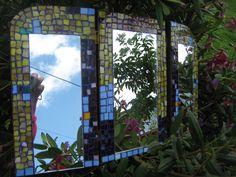 Espejo triple, en vitromosaico