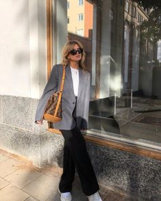 Discover 16 more Chic and Easy Fall Outfit Ideas Simple Fall Outfits, Cute Casual Outfits, Summer Outfits, Beach Outfits, Chill Outfits, Mode Outfits, Fashion Outfits, Womens Fashion, Fashion Skirts