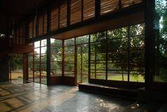 Casa em Belavali / Studio Mumbai Architects  (the shadows on the floor!)