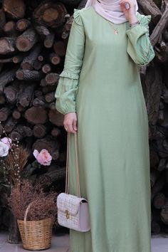Hijab Fashion, Fashion Dresses, Abaya Pattern, Casual Frocks, Moslem Fashion, Mode Abaya, Ootds, The Dress, Casual Wear