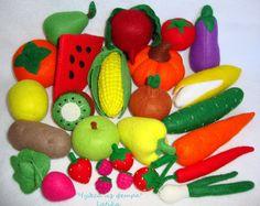 Решила я таки показать свой набор овощей, фруктов и ягод из фетра. Честно признаюсь - долгострой так и не дошит. В проекте хотела сшить все...