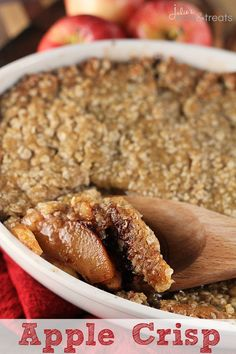 Apple Crisp ~ Traditional, Comforting Apple Crisp Loaded with Apples, Cinnamon and Oatmeal! made this up this morning for the Viking and it was simple and delicious! Just Desserts, Delicious Desserts, Dessert Recipes, Yummy Food, Apple Desserts, Coconut Desserts, Summer Desserts, Dinner Recipes, Apple Crisp Easy