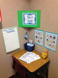 Another Glorious Day : How I Decorated My classroom for 25 bucks. Another Glorious Day : How I Decorated My classroom for 25 bucks. Classroom Layout, Classroom Setting, Classroom Design, Future Classroom, School Classroom, Classroom Organization, Classroom Decor, Small Group Organization, Year 3 Classroom Ideas