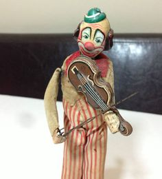 I got this guy as one of my very first. Vintage Antique TPS Japan Tin Litho Wind Up Toy Clown Happy the Violinist Send In The Clowns, Clowning Around, Circus Clown, Banks, Vintage Antiques, Tin, 1950s, Old Things, Japan