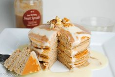| Gingerbread Cheesecake Protein Pancakes | http://www.macro-chef.com