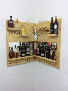 First - Pallets - Schnaps Pallet Furniture Designs, Bar Furniture, Handmade Furniture, Diy Bar, Palet Projects, Garden Bar Shed, Wall Mounted Bar, Antique Bar, Diy Hanging Shelves