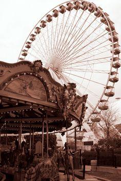 Top Twelve of 2012 Travel Photos Ferris Wheel at Navy Pier, Chicago, IL mo. - Top Twelve of 2012 Travel Photos Ferris Wheel at Navy Pier, Chicago, IL more at www. Cream Aesthetic, Brown Aesthetic, Aesthetic Colors, Aesthetic Collage, Aesthetic Vintage, Aesthetic Photo, Aesthetic Pictures, Aesthetic Beauty, Travel Aesthetic