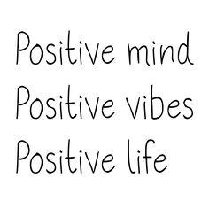 Positief. Positieve instelling is belangrijk. En probeer ik mezelf vaak aan te houden. Ik probeer altijd het positieve in dingen te zien. ( Sterk punt ) Positive Mind, Positive Vibes, Love Quotes, Inspirational Quotes, Good Vibes Only, Pitch, Mood Boards, Letter Board, Positivity