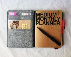 Baum-kuchen - Gert's well loved journal/planner collection (IG: pepperandtwine) School Tips, School Hacks, Art School, Journal Inspiration, Journal Ideas, Roterfaden, Time Planner, Love Journal, Bullet Journal