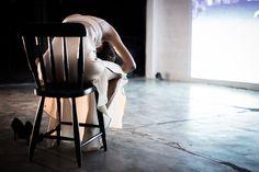 https://flic.kr/p/zeLBk3 | Entre o Choro e o Controle | Apresentações da primeira temporada no TeceSol, Natal/RN. 2014. Prêmio Funarte de Dança Klauss Vianna. Créditos: Brunno Martins.