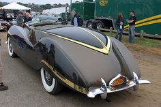 1947 Rolls-Royce Phantom III Labourdette Vutotal Cabriolet, rear ✏✏✏✏✏✏✏✏✏✏✏✏✏✏✏✏ AUTRES VEHICULES - OTHER VEHICLES ☞ https://fr.pinterest.com/barbierjeanf/pin-index-voitures-v%C3%A9hicules/ ══════════════════════ BIJOUX ☞ https://www.facebook.com/media/set/?set=a.1351591571533839&type=1&l=bb0129771f ✏✏✏✏✏✏✏✏✏✏✏✏✏✏✏✏