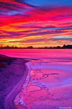 Absolutely gorgeous love the beatiful color's. Beautiful Sunrise, Beautiful Beaches, Landscape Photography, Nature Photography, Nature Pictures, Amazing Nature, Pretty Pictures, Beautiful Landscapes, Beautiful World