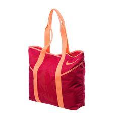 Lleva tu ropa y accesorios deportivos a donde quieras con esta mochila Nike Azeda Tote. Esta mochila tipo bolsa cuenta con bolsas exteriores y está hecha a base de nylon para la máxima durabilidad. ¡Ve a donde quieras con el bolso Nike Azeda Tote!