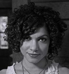 Carrie Rodriguez Short Curly Hairstyles