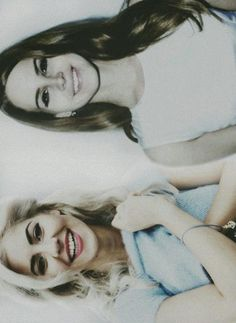 Marina Diamandis & Lana Del Rey. OMG my two lady crushes in one pic!!!!!