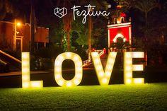La opción perfecta para la decoración de tu boda; Letras Gigantes del Sureste   9993 81 89 96  #boda #decoracionboda #love #letras #letrasgigantes #decoracion #bodacivil #wedding #bodasmerida #ideasboda #ideas #weddingdecoration #iniciales #letrasboda #matrimonio