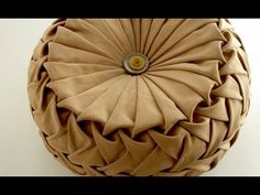 Canadian smocking/capitone round cushion by Debbie Shore. Matrix design. - YouTube