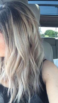 Blonde hair dark roots ombré