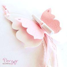Dory.gr- Χειροποίητο προσκλητήριο βάπτισης - Σε σχήμα πεταλούδας