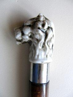 alter Spazierstock | Gehstock | Holz mit weißem Löwenkopf