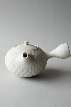 cream white faceted side-handled teapot/kyusu