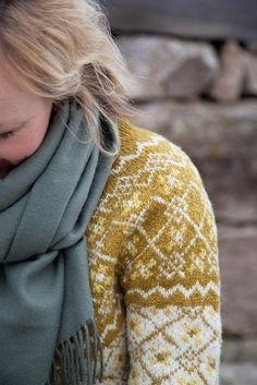 Sørlandskofte i oker. Oppskrift og garnvalg i Kofteboken 2 Fair Isle Knitting, Winter Colors, Girl Power, Men Sweater, Pullover, Crochet, Sweaters, March, Fashion