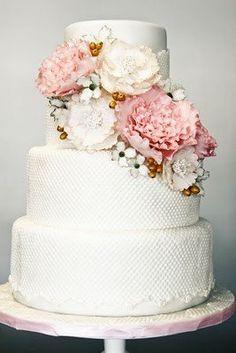 blush roses wedding cake