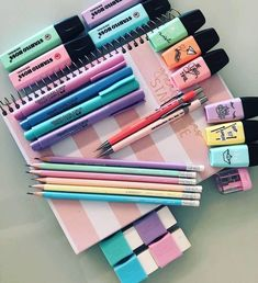 Always aspired to discover ways to knit, nonetheless uncertain the place to begi… - SCHOOL HACKS Stationary Store, Stationary School, School Stationery, Cute Stationery, Study Room Decor, Cute Room Decor, Craft Closet Organization, School Suplies, Back To School Supplies