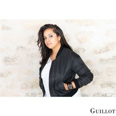 Be casual, be simple, our watches make the difference Parisian, Pink And Gold, Fashion Accessories, Bomber Jacket, Watches, Black And White, Elegant, Luxury, Simple