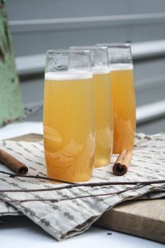 CHAMPAGNE APPLE CIDER — Established California