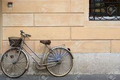 4298451-old-grey-bike-near-yellow-wall-with-black-window-Stock-Photo-bicycle-wall-vintage.jpg (1300×866)