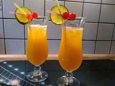 43 Sunset, a delicious recipe from the long drink category. Drinks Alcohol Recipes, Non Alcoholic Drinks, Cocktail Recipes, Drink Recipes, Brandy Alexander, Malibu Coconut, Coconut Rum, Caipirinha Cocktail, Sunset Drink