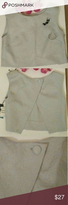 TILDON Grey Split Back Crop Top Brand new with tags. Tildon for Nordstrom's. This lovely split back top has a pretty floral/leaf imprint in the fabric. 68% cotton, 32% polyester. Great compliment for skirts, slacks or to dress up a pair of jeans with some heels!?????? Tildon Tops