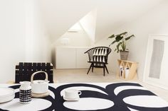 Pull together your dining room with these #Marimekko items that can be found on http://ss1.us/a/7lYev50w! The Marimekko #Siirtolapuutarha #Rasymatto #Jug (seen above) is precisely the right size, with its shape based on the traditional milk churn. http://ss1.us/a/xNM19F8D. Take advantage of our #LaborDay #Sale: 20% off your purchase of $175 or more with code LABOR20! #kiitoslife #kiitoslifenyc #porcelain #pitcher