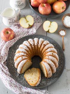 Pastinaken-Apfel-Gugelhupf Apple Rings, Coconut Slice, Ring Cake, Spelt Flour, Easter Holidays, Cake Ingredients, Cake Mold, Oatmeal, Good Food