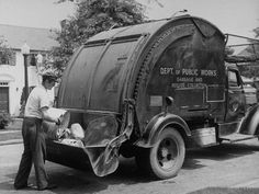 Vintage Trucks Muscle Garbage Man Emptying Trash into Back of Garbage Truck - Alfred Eisenstaedt - Vintage Chevy Trucks, Chevy Trucks Older, Antique Trucks, Vintage Race Car, Lifted Trucks, Old Trucks, Pickup Trucks, Dually Trucks, Chevy Classic