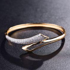 XIAGAO Hot New Fashion Circle Bracelets Bangles for Women Feminino Jewerly Bracelet And Bangles For Women Brand Bijoux 2017 Gold Bracelet For Women, Gold Bangle Bracelet, Diamond Bracelets, Silver Bracelets, Gold Rings Jewelry, Sapphire Jewelry, Fine Jewelry, Women's Jewelry, Silver Jewellery