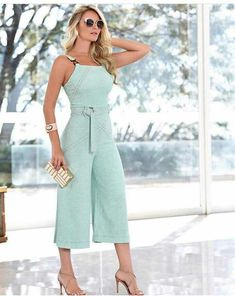 33+ Outfits con Jumpsuit para que Luzcas Sofisticada y a la Moda Rompers Dressy, Jumpsuit Dressy, Cute Rompers, Diva Fashion, Trendy Fashion, Womens Fashion, Modern Outfits, Chic Outfits, Cute Dresses