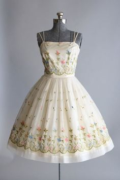 Vintage 1950s Dress / 50s Garden Party Dress / by TuesdayRoseVintage