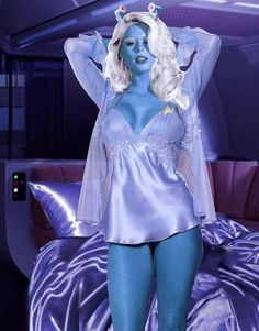 Andorian Woman by on DeviantArt Star Trek Enterprise, Star Trek Starships, Star Trek Original, Star Trek Cosplay, Maquillage Sf, Star Trek Tos, Star Wars, Vaisseau Star Trek, Princesa Leia