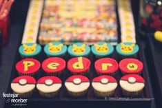 cupcakes-modelados-pasta-americana-tema-pokemon Pokemon Birthday, Pokemon Party, Kids Party Decorations, Party Food And Drinks, Drink Menu, Party Activities, Diy Party, Mini Cupcakes, Dessert Table