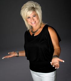 'Long Island Medium' has plenty of critics; sold-out show means she also has fans