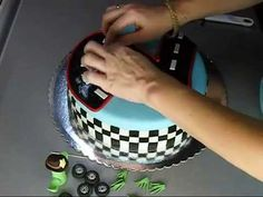 Torta sa auticima - Cars cake.wmv - YouTube